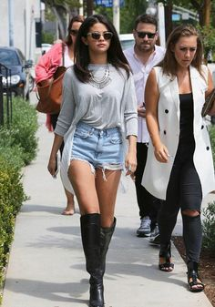 Selena Gomez lookée à Los Angeles