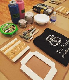We're all set for another fun @amyhowardhome workshop!! #tfssi #stsimons #seaisland #chalkpaint #diy #rescuerestoreredecorate