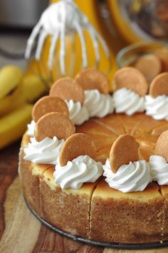Bourbon Banana Pudding Cheesecake - The Candid Appetite bread cake healthy muffins pudding recipes chocolat plantain recette recette Banana Pudding Cheesecake, Cheesecake Recipes, Dessert Recipes, Keto Pudding, Banana Pudding Cupcakes, Banana Dessert, Just Desserts, Delicious Desserts, Yummy Food