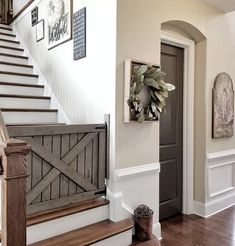Rustic Home Decor intelligent ideas - Brilliant rustic decor ideas. Have a try at this pin resource reference 2535834231 , organized in category rustic country home decor farmhouse style ideas also imagined on 20190314 Rustic Farmhouse, Farmhouse Style, Farmhouse Remodel, Stair Gate, Door Gate, Barn Door Baby Gate, Mini Barn, Home And Deco, My New Room