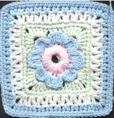 """Freedom Flower 7"""" - not sure why Pinterest says this might lead to a bad site, but click continue on, the site is fine and many more squares than I could pin."""