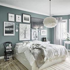 "389 likerklikk, 2 kommentarer – ANDREEA MANOLE (@andreeamanole) på Instagram: ""Perfect 😍 #cozy #bedroom #homedeco #blackandwhite #details #furniture #blogger #living"""