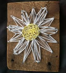 string flower on barn wood Different Kinds Of Art, Creation Crafts, Rustic Background, Flower Show, Crafty Craft, Art Google, Barn Wood, Art Drawings, Projects To Try