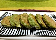Mini Burger di Quinoa Real biologica e foglie di spinaci.