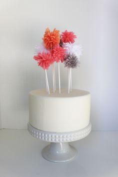 Yarn topper/ cake pompoms