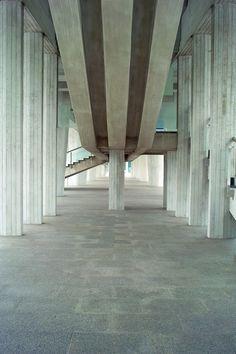 Hiroshima Peace Memorial Museum design by Kenzo Tange Hiroshima,Japan piloti