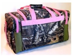 Mossy Oak Pink Camouflage Duffle Bag (Totally have this one and use it regularly! Pink Mossy Oak, Mossy Oak Camo, Hunting Camo, Hunting Girls, Hunting Stuff, Pink Camouflage, Camouflage Backpack, Hunting Clothes, Camo Clothes