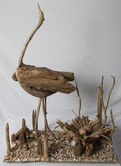 Driftwood Heron with nest. Driftwood Heron with nest. Driftwood Furniture, Driftwood Projects, Twig Furniture, Driftwood Sculpture, Driftwood Art, Creation Deco, Wood Creations, Beach Crafts, Nature Crafts