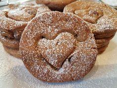 Μπισκότα με φυστικοβούτυρο ΜΟΝΟ με 4 υλικά!! Biscotti, Doughnut, Sweets, Cookies, Desserts, Food, Crack Crackers, Tailgate Desserts, Deserts