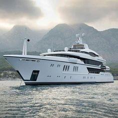 Big Yachts, Super Yachts, Luxury Yachts, Submarines, Stunning View, Luxury Travel, Aqua, England, Boat
