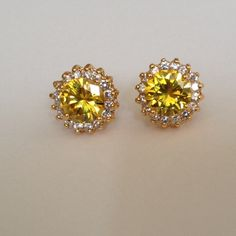 Earring 18k gold plated earring jewelry.(NEW) No Trades. No Holds. No PayPal. Jewelry Earrings