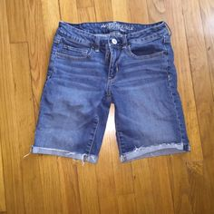 American Eagle Boyfriend Shorts Like new! Have good stretch American Eagle Outfitters Shorts Bermudas