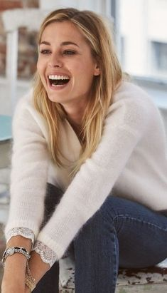 Sweaters, soft and fuzzy mostly but others i like too Girl Fashion, Fashion Outfits, Womens Fashion, Angora Sweater, Mode Chic, Knitwear Fashion, White V Necks, Elegant Outfit, Mode Inspiration