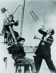 Still of Groucho Marx, Chico Marx and Harpo Marx in A Night in Casablanca
