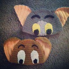 Crochet Tom and Jerry hats Crochet Kids Hats, Crochet Beanie Hat, Crochet Crafts, Yarn Crafts, Crochet Projects, Knitted Hats, Bonnet Crochet, Crochet Cap, Love Crochet