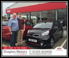 Mick & Luke Boreham collecting there 3rd brand new car from Tom. 2 sportages and this linited edition picanto chilli Border  To see our complete…