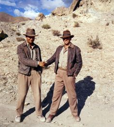 Rare and deleted scenes indiana jones pictures! Indiana Jones Costume, Harrison Ford Indiana Jones, Indiana Jones Films, Funny Animal Quotes, Funny Animals, Blade Runner Art, Modest Halloween Costumes, Safari Outfits, Steven Spielberg