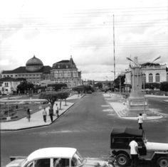 Avenida Eduardo Ribeiro. Manaus. Acervo: IBGE.