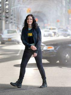 Alexander Film, Jaimie Alexander, Fbi Cia, Detective Aesthetic, Series Movies, Tv Series, Alex Danvers, Police Detective, Season 4