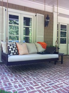 Cozy bedswing on front porch Porch Swing, Front Porch, Outdoor Sofa, Outdoor Furniture, Outdoor Decor, Bed Swings, Southern, Cozy, Cabin