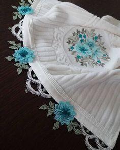 Çok Sipariş Alan 39 Havlu Kenarı İğne Oyası Modeli Crochet Bedspread, Needle Lace, Elegant Table, Filet Crochet, Baby Girl Dresses, Beaded Embroidery, Diy And Crafts, Crochet Necklace, Crochet Patterns