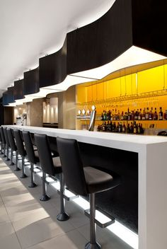 Le St-Cyr Restaurant, Montreal, Canada desigend by Aedifica.