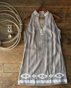 Oh my!! This dress. And it fits as amazing as it looks!! #southwest #summerstyle #embroidery #sterlingsilver #savannah7s