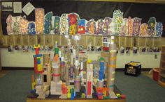 Check out their use of mini lights in the building scape background Reggio Inspired Classrooms, Reggio Classroom, Preschool Art, Kindergarten Classroom, Inquiry Based Learning, Project Based Learning, Early Learning, Learning Activities, Reggio Emilia Approach
