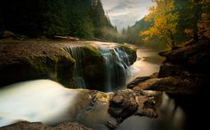 Download wallpapers Lewis River, evening, autumn, river, waterfall, autumn forest, Lower Lewis River Falls, Washington, USA