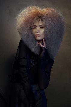 Mayte Garrote - GEA #maytegarrote #differentestilistas #haircolor #colorhair #haircuts #coloring #окрашивание #колорирование #hairdye #стайлинг  Hair: Different Estilistas Make-Up: Alex Alva Styling: Eunnis Mesa Photo: David Arnal