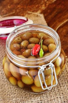 Olive in salamoia Italian Dishes, Italian Recipes, Olives, Pickled Garlic, Tomato And Cheese, Limoncello, Wine Recipes, Finger Food, Preserves