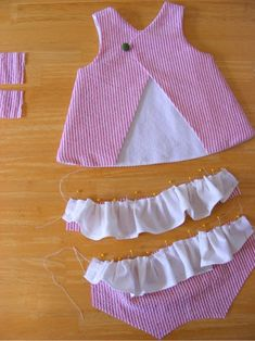 Baby Robes – Baby and Toddler Clothing and Accesories Baby Girl Dress Patterns, Baby Clothes Patterns, Little Girl Dresses, Sewing Baby Clothes, Doll Clothes, Baby Dress Design, Baby Sewing Projects, Fashion Kids, Fashion Sewing