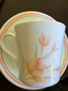 빈티지 코렐컵,코닝 소서 : 네이버 블로그 Mugs, Tableware, Dinnerware, Tablewares, Mug, Place Settings