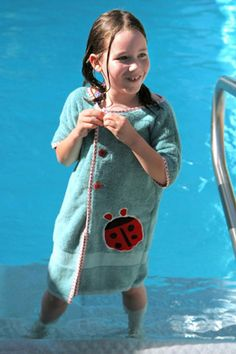kids pool robe made from a towel! Awesome!