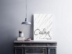 """""""Calma é Só a Chuva. E Talvez Nem Esteja Chovendo Hoje.""""  Temos quadros com moldura e vidro protetor e placas decorativas em MDF.  Visite nossa loja e conheça nossos diversos modelos.  Loja virtual: www.arteemposter.com.br  Facebook: fb.com/arteemposter  Instagram: instagram.com/rogergon1975  #placa #adesivo #poster #quadro #vidro #parede #moldura"""