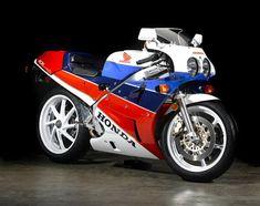 Una Honda RC30 del 1990