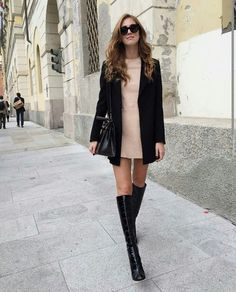 I can't wait to start using fall outfits. I SO can't wait to put all my fall clothes and start creating awesome looking outfits. Trendy Fall Outfits, Stylish Outfits, Winter Outfits, Night Outfits, Look Fashion, Winter Fashion, Fashion Outfits, Street Style, Street Chic