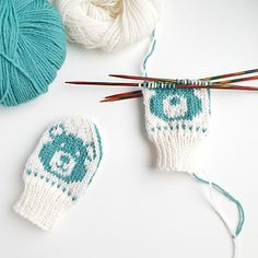 Ravelry: Baby Teddy pattern by Tonje Haugli Baby Mittens, Knit Mittens, Knitted Hats, Bear Face, You Loose, Yarn Stash, Knitting For Kids, Baby Gifts, Knitting Patterns
