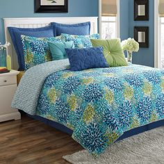 Fiesta Calypso Starburst Reversible Comforter Set ($250) ❤ liked on Polyvore featuring home, bed & bath, bedding, comforters, twin comforter sets, queen comforter set, blue twin comforter set, green queen comforter and blue king comforter