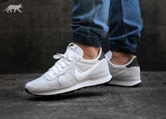 wholesale dealer a266b 79362 Nike Internationalist Leather (Summit White   Summit White - Fieldstone Iron )