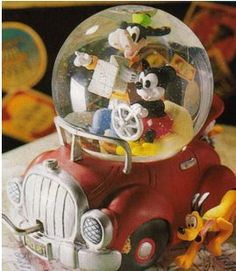 Disney Snowglobes Collectors Guide: Fab 5 Car Snowglobe (sitting on my mantle)