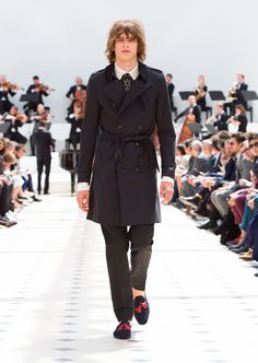2ffbfe47fe3 See all the looks from the Burberry Prorsum Spring Summer 2016 menswear  collection  Straight Laced .