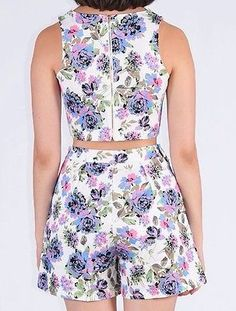 Ladies Two Peice Set , Co-Ord With Multi Floral. White/ Blue Floral.