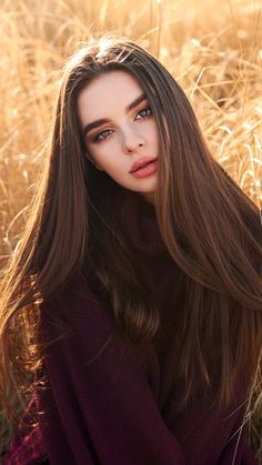 Girl in Field Looking at Viewer, HD Girls Wallpapers Photos and Pictures hair poses – Hair Models-Hair Styles