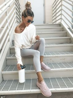 Athleisure Outfits You Can Wear Every Day And Get Away WithYou can find Workout clothing and more on our website.Athleisure Outfits You Can Wear Every Day And Get Away With Sweaty Betty, Mode Outfits, Sport Outfits, Casual Outfits, Summer Outfits, Casual Athletic Outfits, Fashion Outfits, Gym Outfits, Sporty Chic Outfits