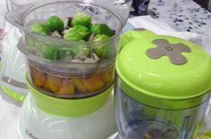 Préparation pour 8 petits pots Epluchez le potimarron, coupez-le en dès et disposez les dans le panier vapeur du bas. Nettoyez et émincez les cèpes, placez-les dans le panier vapeur du haut. Le jus des cèpes, donnera ainsi du goût au potimarron. Ajoutez les choux préalablement incisés. Lancez un cycle de cuisson de 20 minutes....Lire la suite →