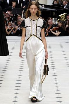 Burberry Prorsum Spring/Summer 2016 Ready-To-Wear Collection   British Vogue