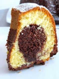 Er ist wirklich wahnsinnig le… This cake is a must for all Nutella fans! He is really delicious yummy and cooked quite fast. You need: ♡ 250 g butter, soft ♡ 4 eggs ♡ 170 g sugar ♡ 3 … Nutella Drink, Nutella Cake, Baking Recipes, Cake Recipes, Dessert Recipes, Pampered Chef, Oreo, Hazelnut Cake, Gateaux Cake