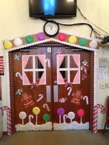 making a gingerbread door decoration - Yahoo Image Search Results & Gingerbread House door decorating contest! | Christmas | Pinterest ...