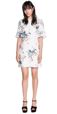 Discover the latest women's dresses from the new Cue collection. Shop our range of black dresses, evening dresses, floral dresses, casual dresses and… Cue Clothing, Buy Dresses Online, Evening Dresses, Casual Dresses, Cold Shoulder Dress, Short Sleeve Dresses, Floral, Sleeves, Stuff To Buy